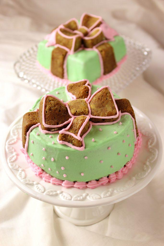 Matcha cake decorated