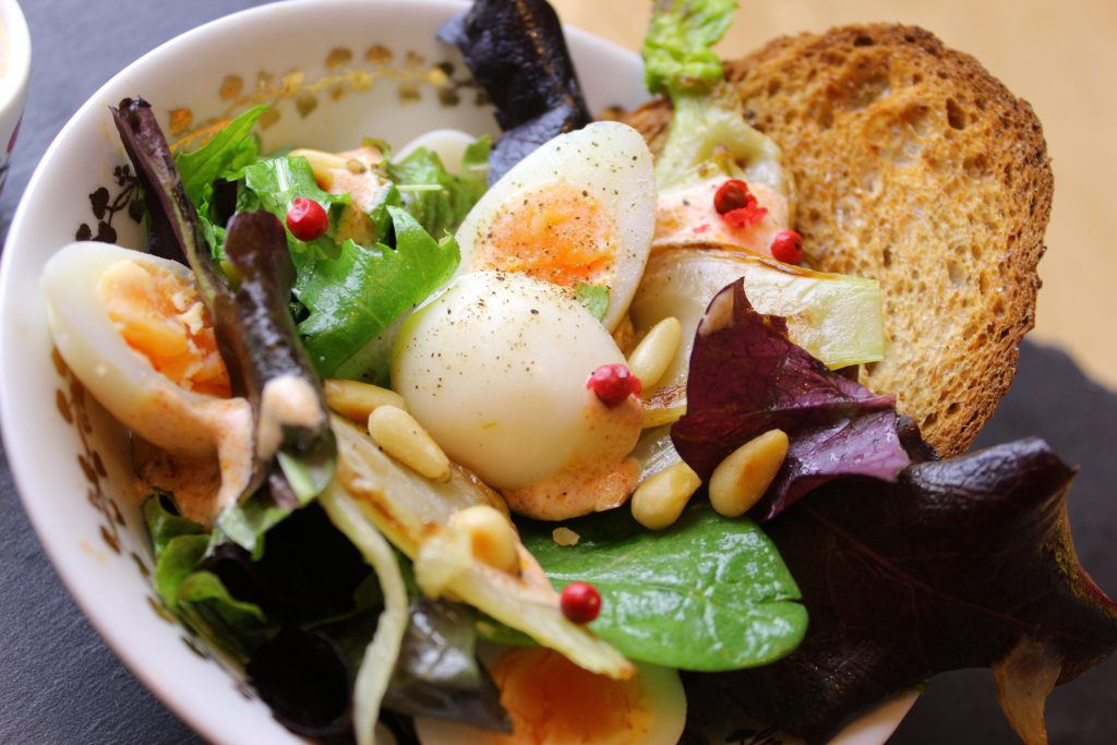 Quail egg salad with fennel