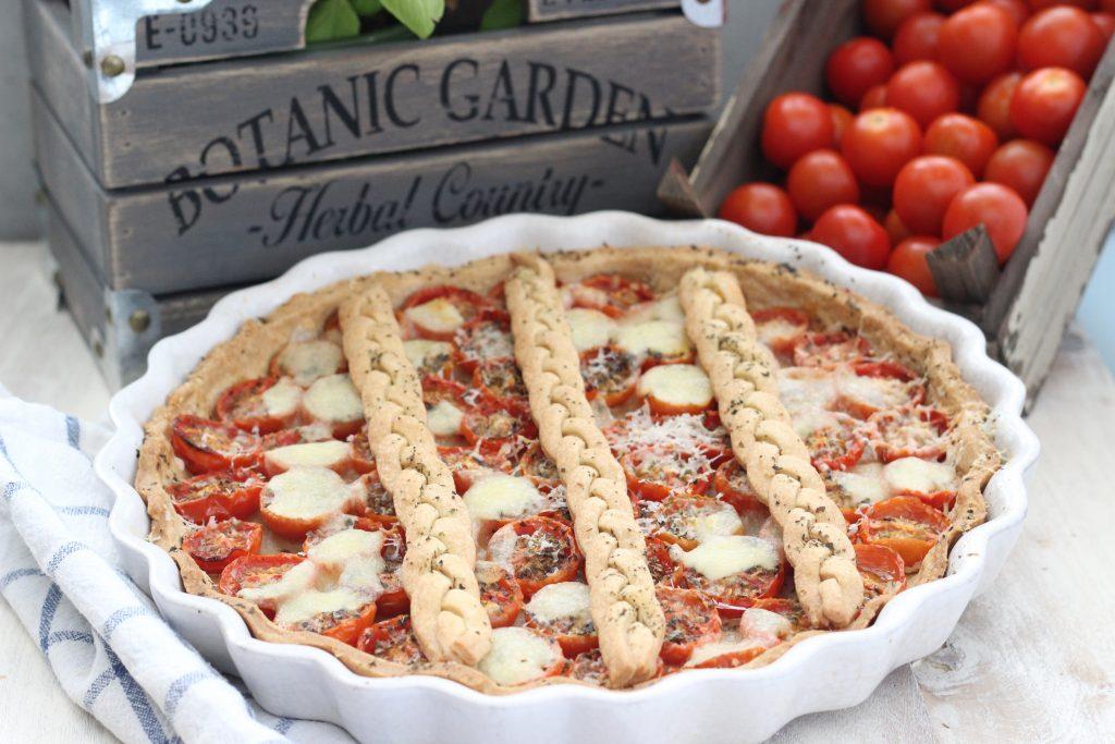 Crostata di pomodorini e mozzarella intera