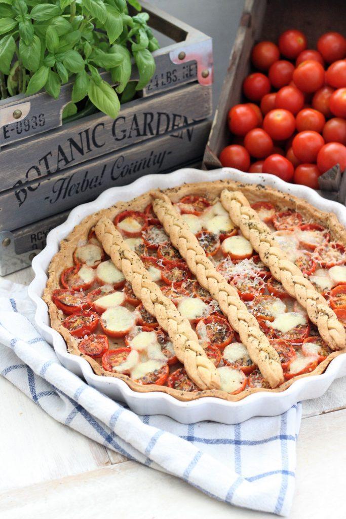 Crostata di brisèe ai pomodorini con erbe