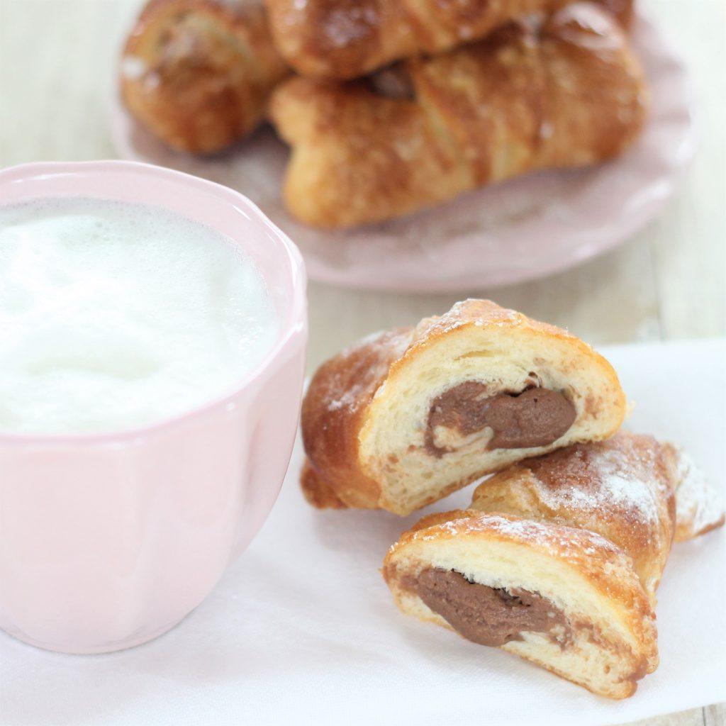 Croissant ripieni di cioccolato