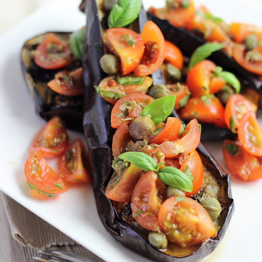 Oven baked aubergines with tomatoes