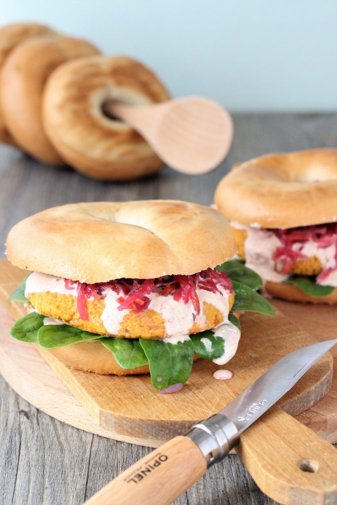 Chickpeas and squash burgers with bagels