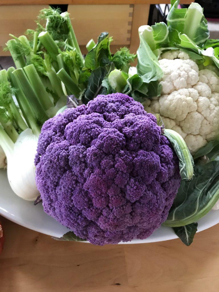 Purple cauliflower / flatlay