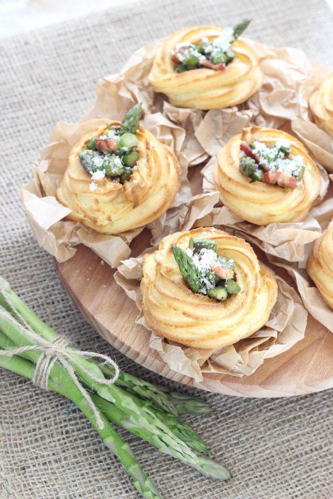 Cestini di patate e asparagi - flatlay