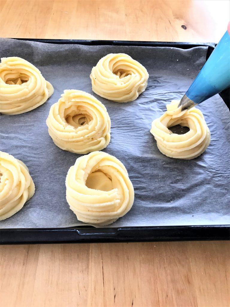 Preparazione cestini di patate e asparagi - procedimento