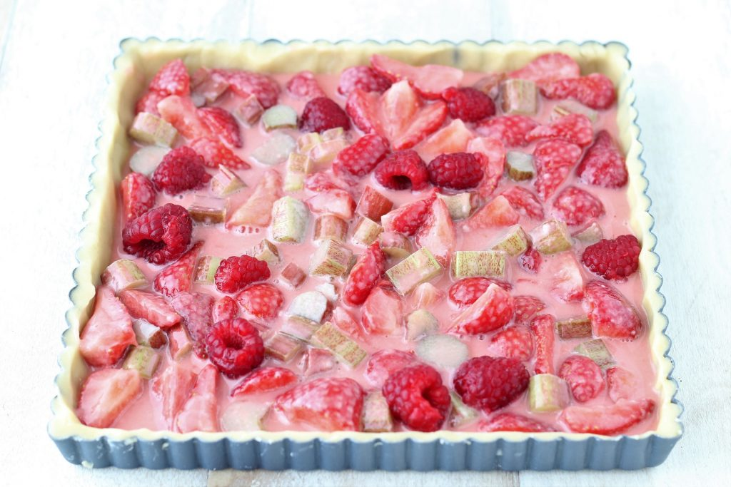 Rhubarb tart - rhubarb and raspberry filling