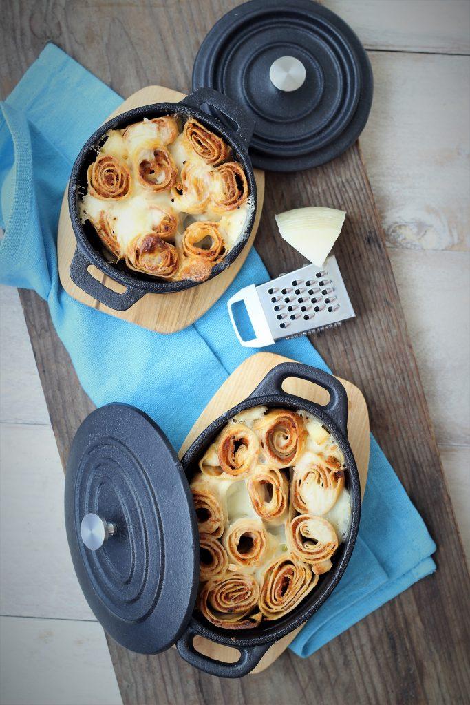 Crêpes gratinate con parmigiano - flatlay