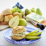 Gorgonzola and walnut scones