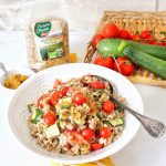 Spelt salad with tomato and courgette