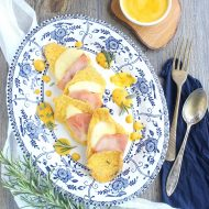 Scaloppine con prosciutto e formaggio