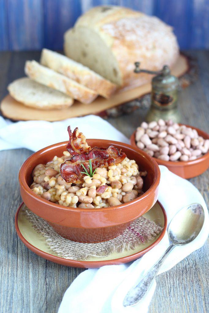 Zuppa di fagioli borlotti con pancetta croccante