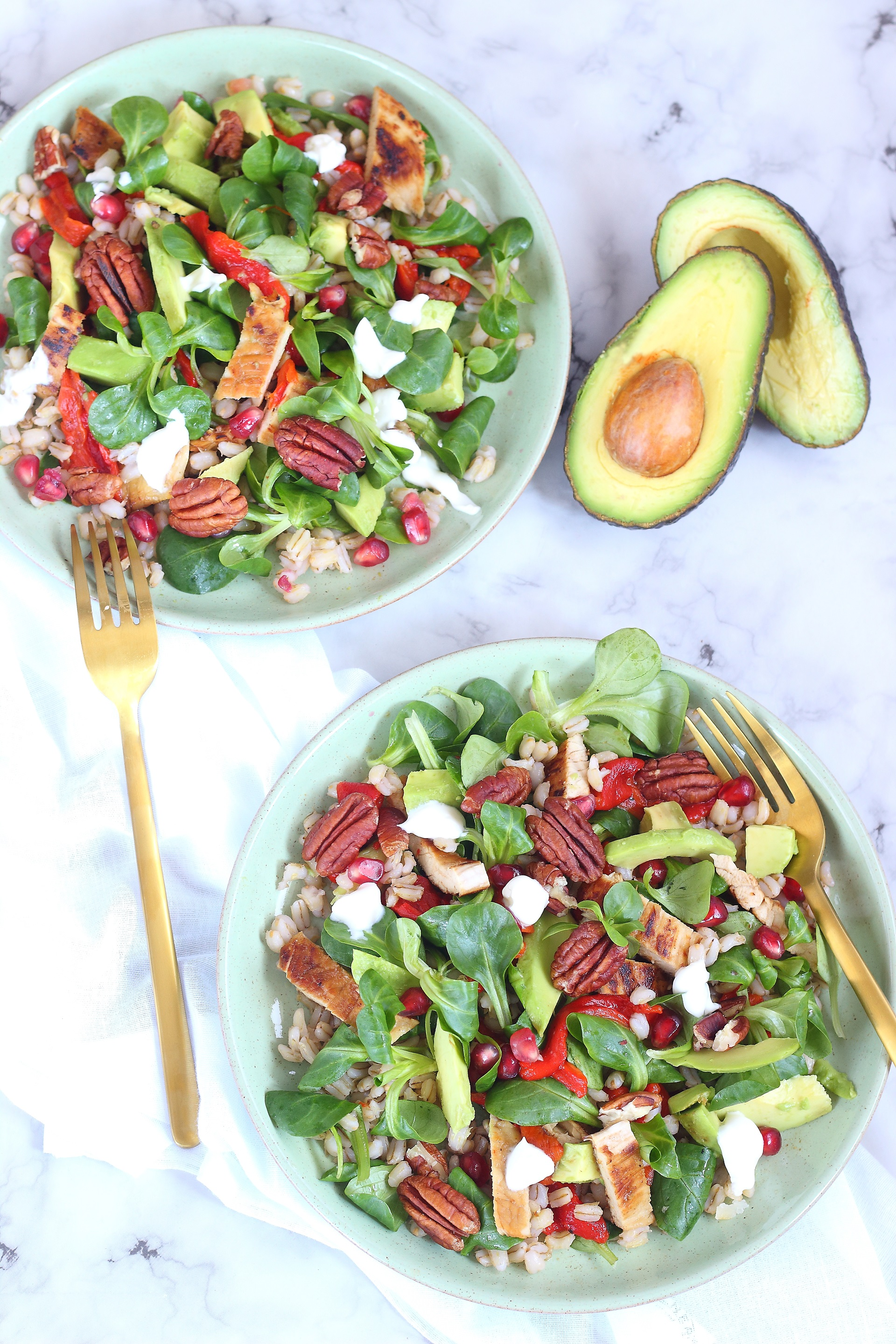 Sweet pepper and avocado salad