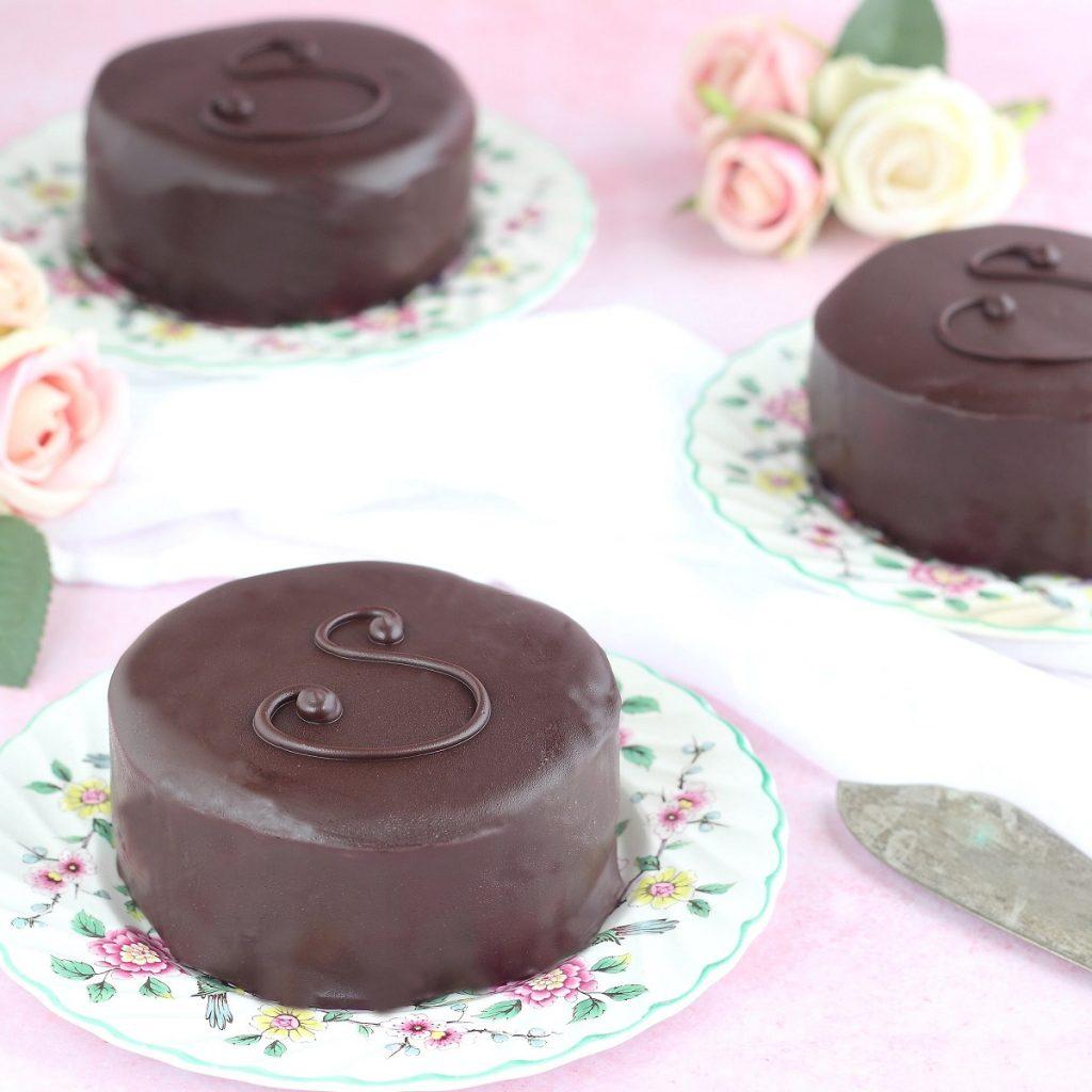 Torta Sacher alla ganache di cioccolato