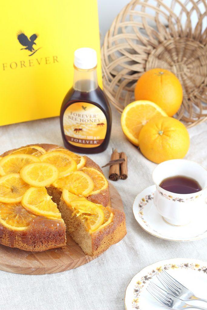 Orange and honey cake with cinnamon