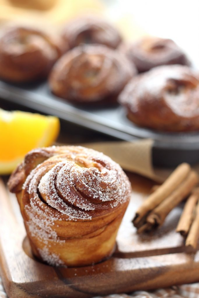 Cruffin with cinnamon - close up