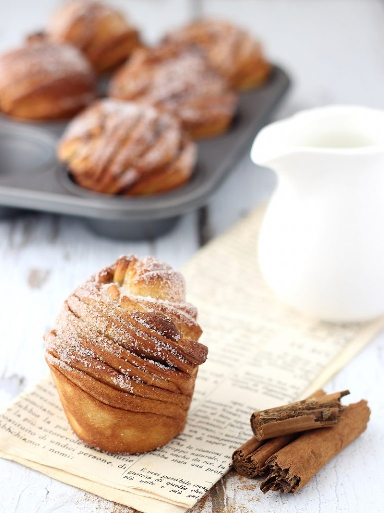 Cruffins , cinnamon and milk