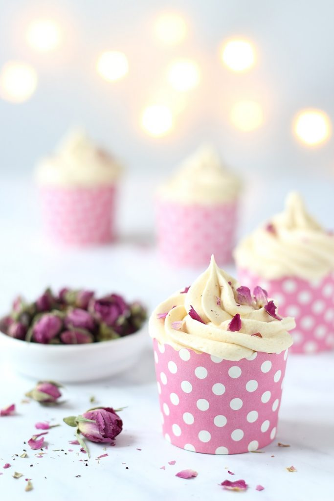Tea infused and roses cupcakes