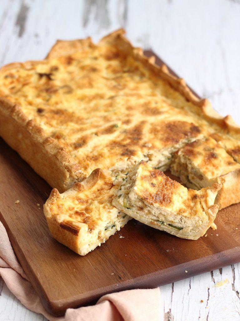 Torta salata di zucchine, cipolla e formaggio Stilton