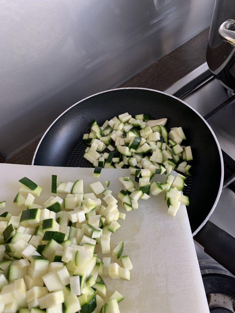 Procedimento - cottura zucchine a cubetti