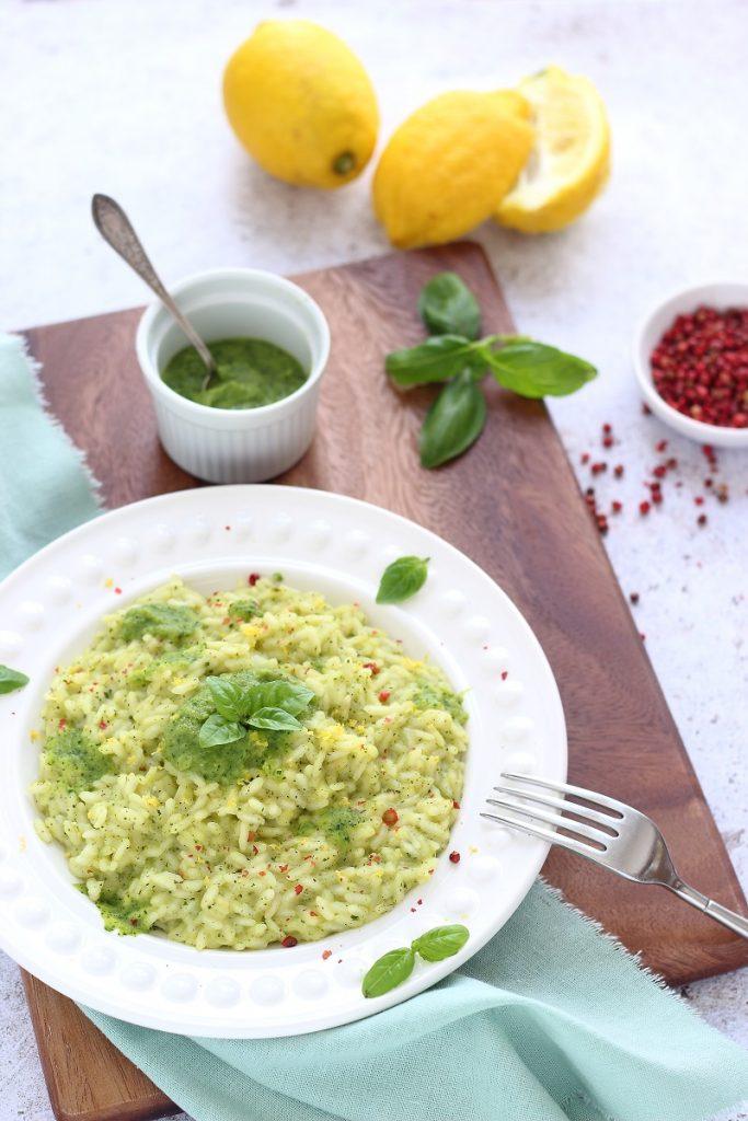 Risotto con crema di zucchine e scorza di limone fresco