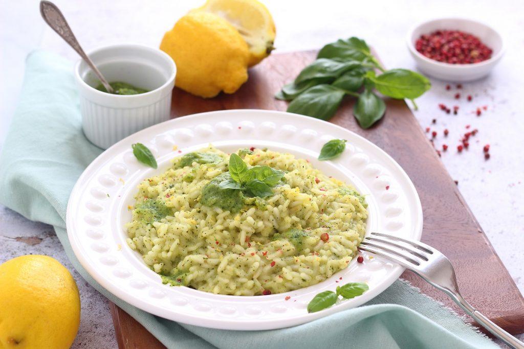 Risotto con zucchine e basilico - header