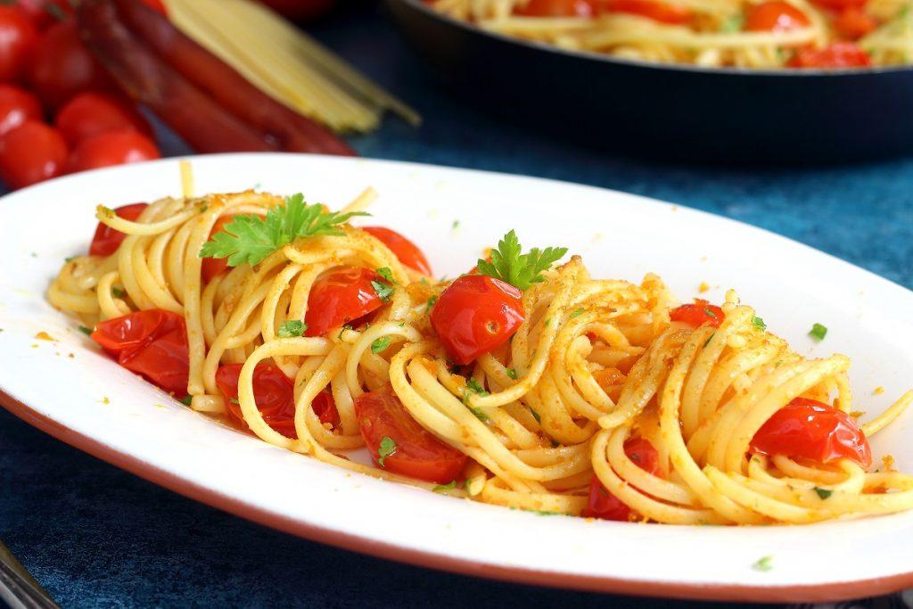 Pasta con bottarga , pomodorini e prezzemolo - header
