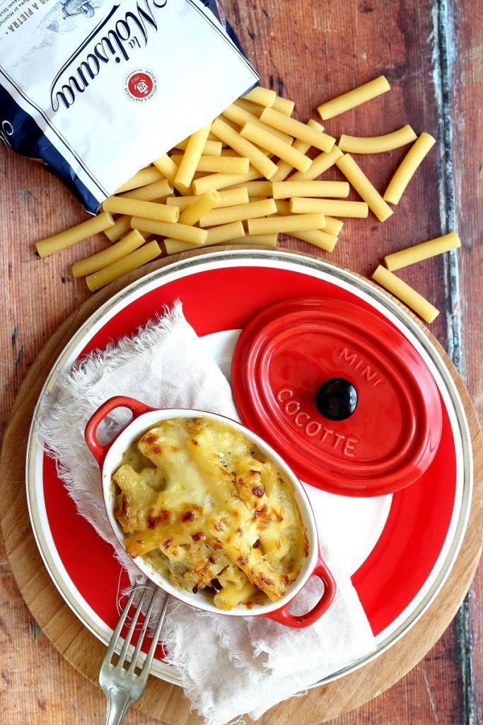Pasta con il cavolfiore al forno - flatlay