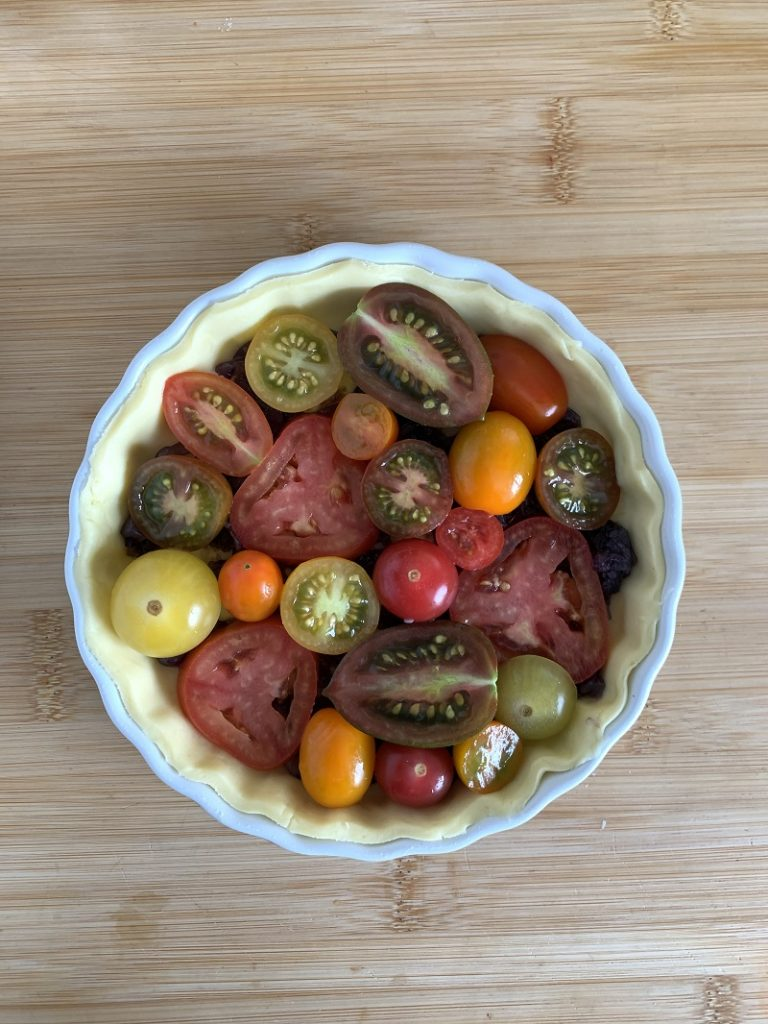 Brisée crust with tomatoes