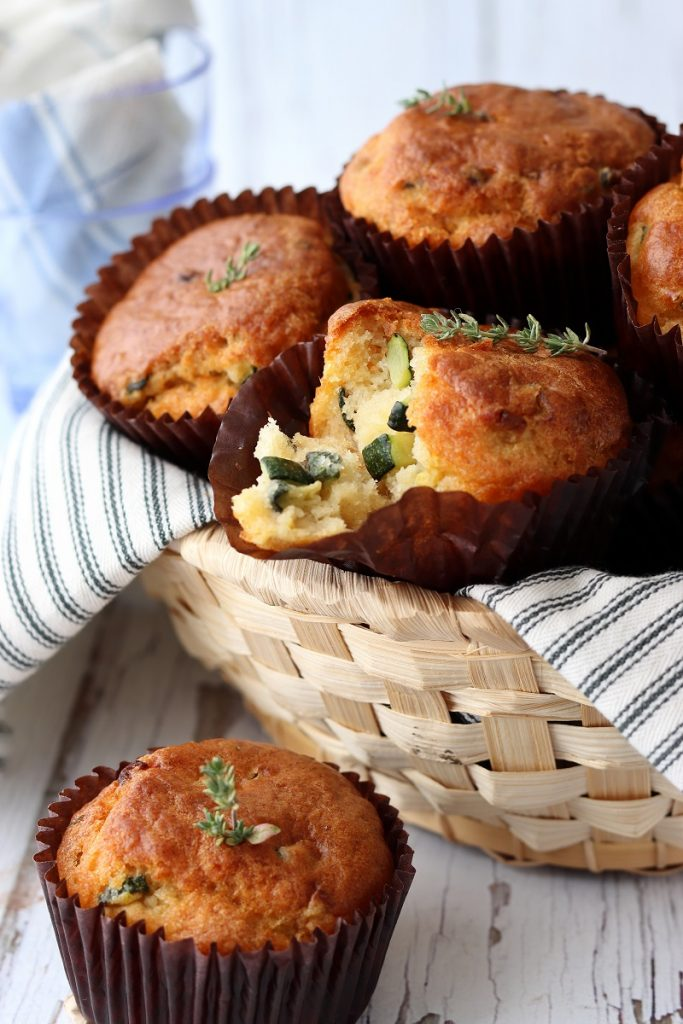Courgette and cheese muffins - inside