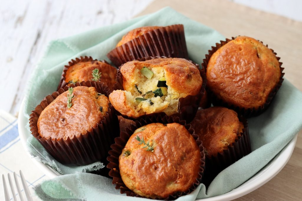 Savoury muffins with courgette - header