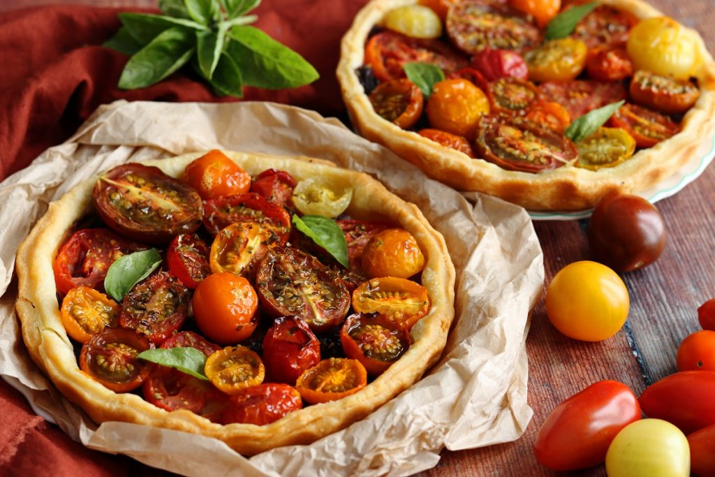 Tomato tart with onions