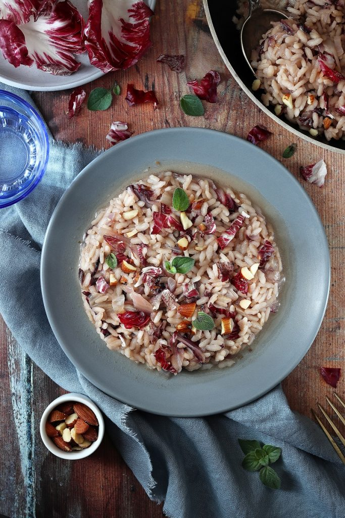 Risotto al radicchio light - flat lay
