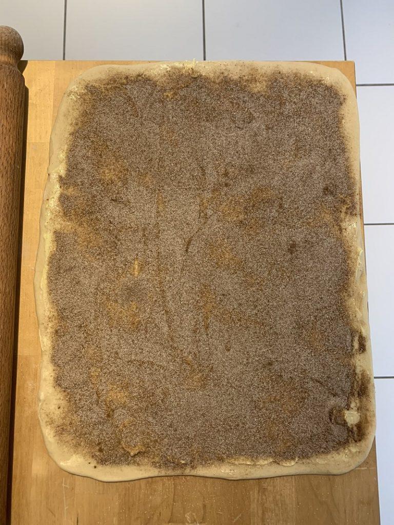 Farcitura dei cinnamon rolls
