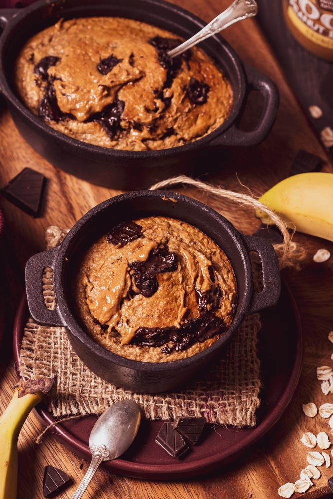 Baked oats - close up flatlay